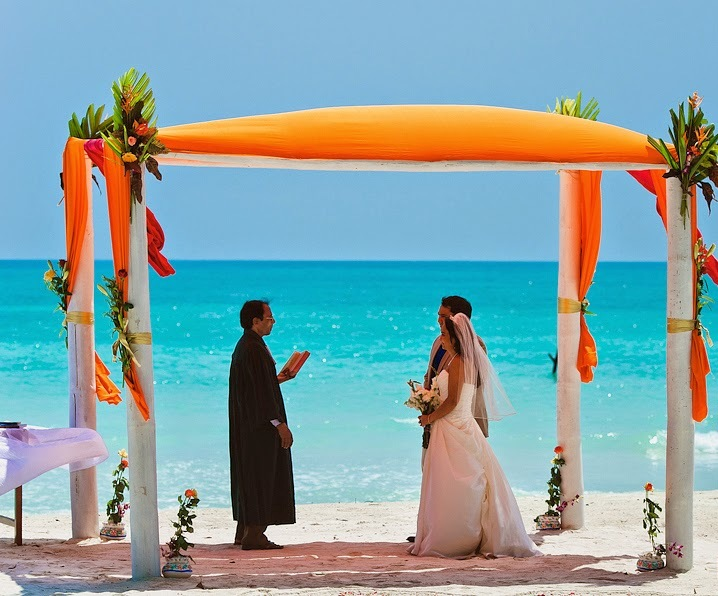 Beach-Wedding-At-Havelcok-India