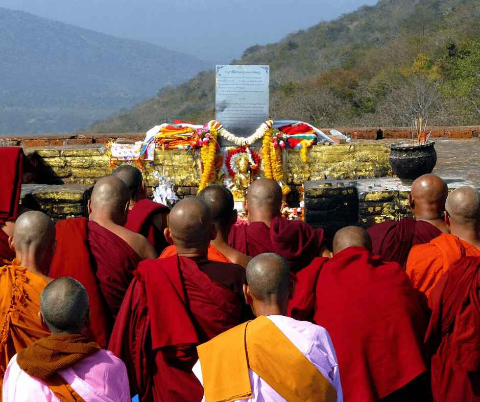 Buddhist pilgrimage rajgir